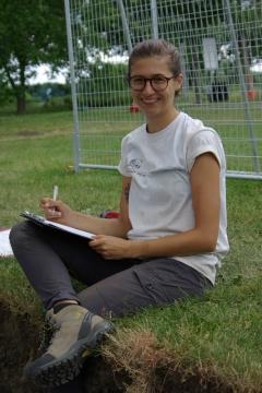 Kelsey Stark, Étudiante